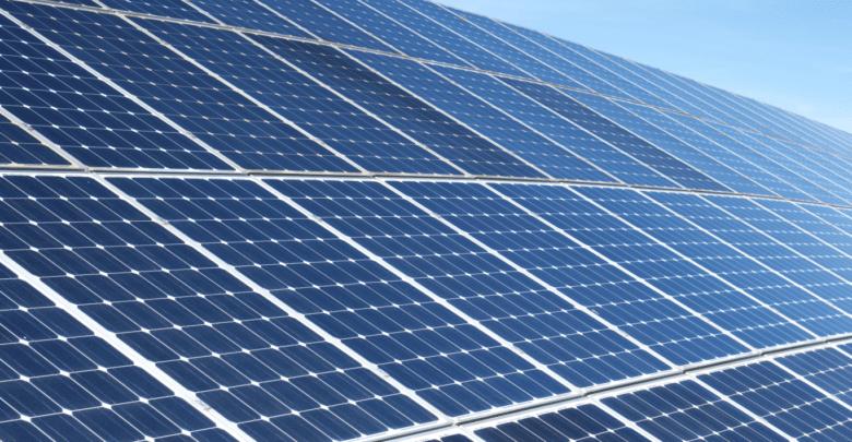 شركة فيسبوك تستثمر في مشروع للطاقة الشمسية
