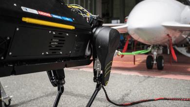 بالفيديو: روبوت صغير يتمكن من جر طائرة ركاب!