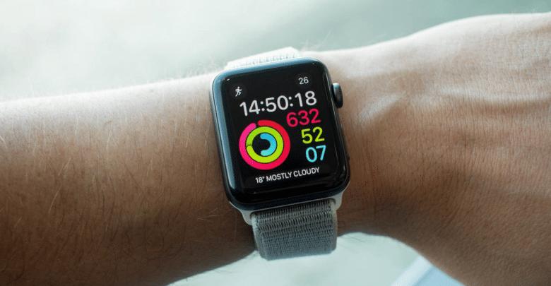 ساعة آبل واتش الذكية تتمكن من إنقاذ حياة رجل بريطاني