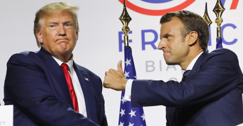 ماكرون ينزع فتيل الضريبة الرقمية الفرنسية