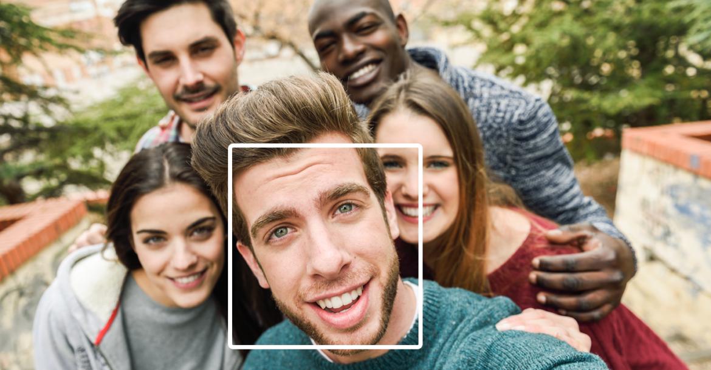 فيسبوك يتخلى عن ميزة التعرف على الوجه تلقائيا